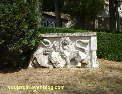 Niort, le jardin des plantes, 4, relief en bord de Sèvre