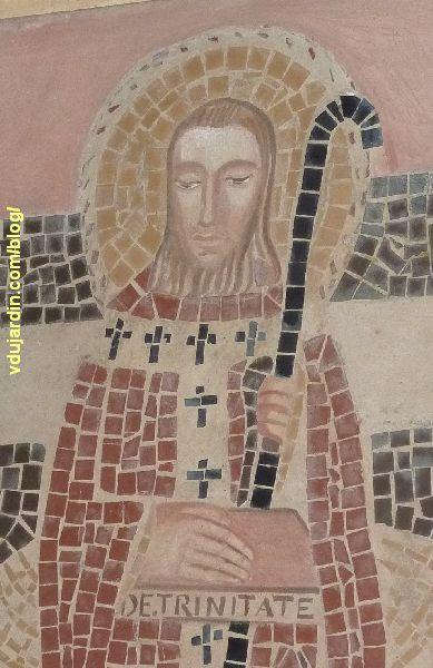 Poitiers, église Sainte-Thérèse, détail de saint Hilaire, en mosaïque, avec le visage et les mains peints