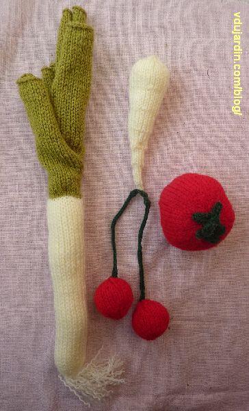 Poireau, panais, cerises et tomate au tricot