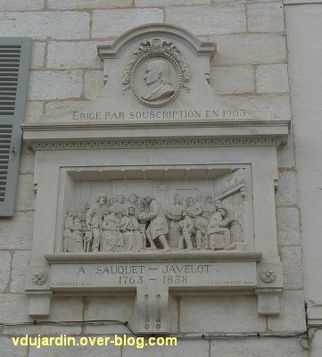 Niort, le relief de Sauquet-Javelot par Pairault et Bouneault, 2, le relief