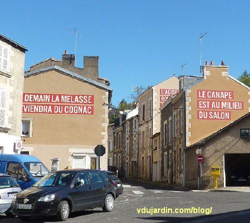 Poitiers, quartier du Pont-Neuf, oeuvre de Christian Robert-Tissot, trois messages