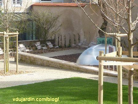 Jardin du Puygarreau à Poitiers, sièges