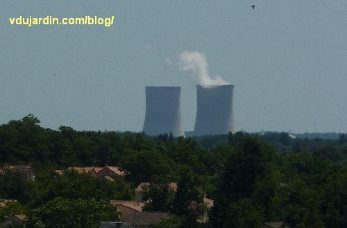 La centrale nucléaire de Civaux vue depuis la ville haute de Chauvigny