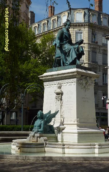 Lyon, le monument à Ampère, vue générale