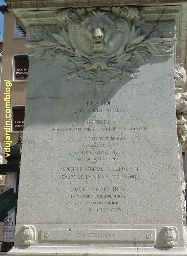 Lyon, le monument à Ampère, inscriptions avec biographie d'Ampère