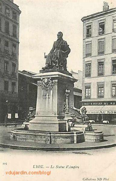 Lyon, le monument à Ampère, carte postale ancienne