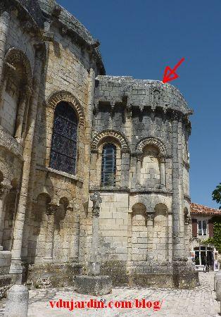 Chauvigny, chevet de l'église Saint-Pierre, emplacement du relief avec saint Pierre