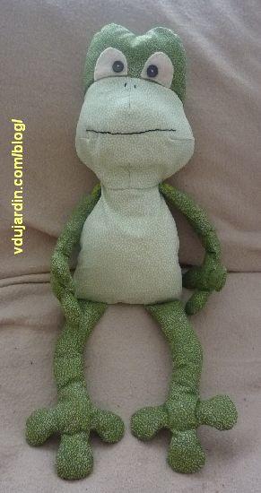 Le doudou grenouille assemblé