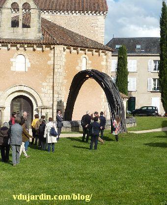 Flux de Rainer Gross à Poitiers, inauguration devant le baptistère Saint-Jean
