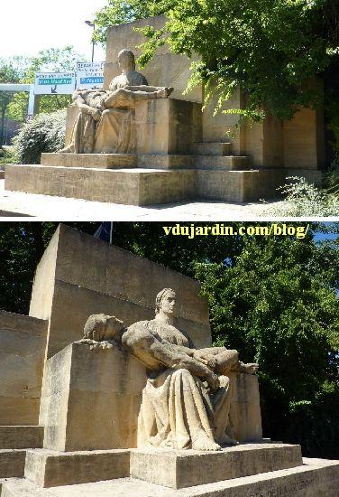 Metz, le monument aux morts de 1914-1918, en 2012, de face et de trois quarts