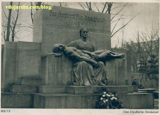 Metz, le monument aux morts de 1914-1918, carte postale pendant la Deuxième guerre mondiale