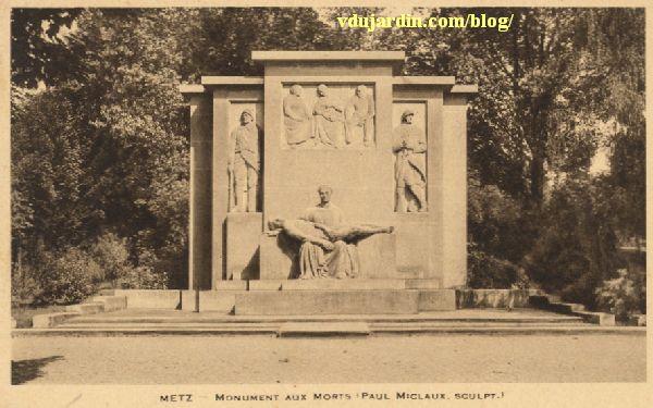 Metz, le monument aux morts de 1914-1918, carte postale des années 1930