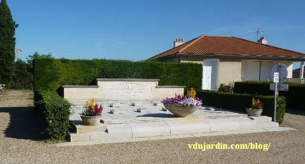 Le monument au réseau Louis Renard, cimetière de Chilvert à Poitiers