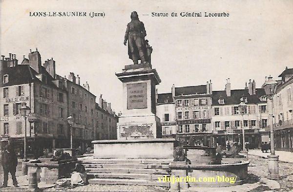 Le général Lecourbe par Antoine Étex à Lons-le-Saunier, carte postale ancienne