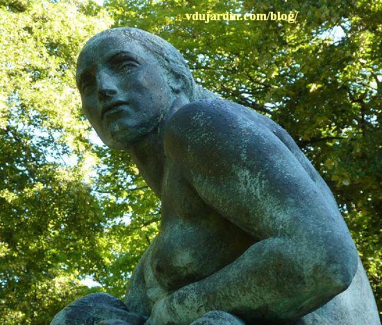 Monument des mères françaises par Petit à Metz, le visage de la mère