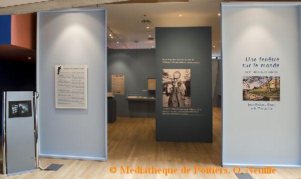 Exposition Jean-Richard Bloch à la médiathèque de Poitiers, l'entrée, cliché O. Neuillé