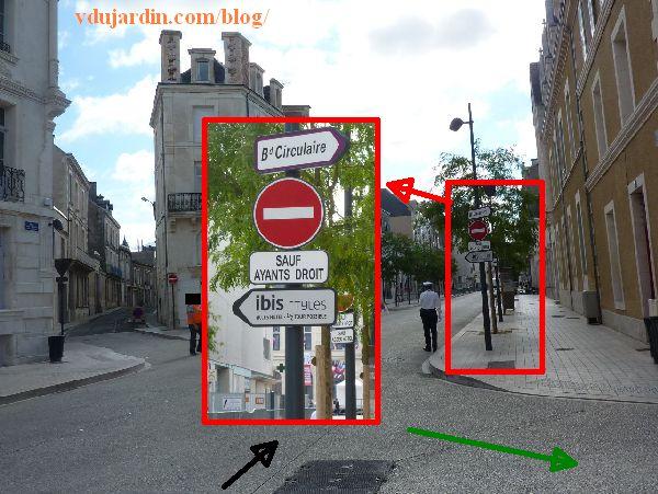 Poitiers, rue Charles-Gide, panneaux rue Victor-Hugo
