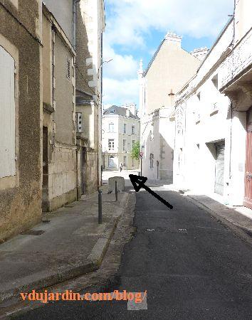 Poitiers, rue Charles-Gide, arrivée de la rue Renaudot vers la rue Victor-Hugo