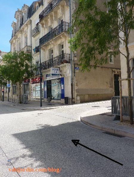 Poitiers, rue Charles-Gide, arrivée face à la rue Charles-Gide