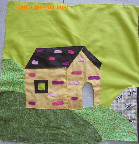 Le haricot magique, page 6, les briques et les tuiles au point de feston