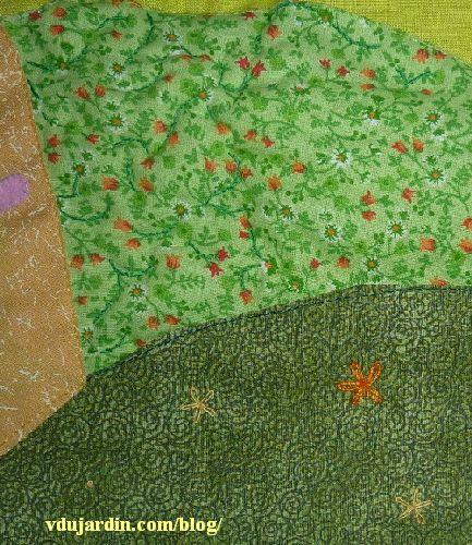 Haricot magique, pages 4 et 5, détail des points de tige et des fleurs en point de bouclette