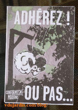 Poitiers, mouton détournant le confort moderne