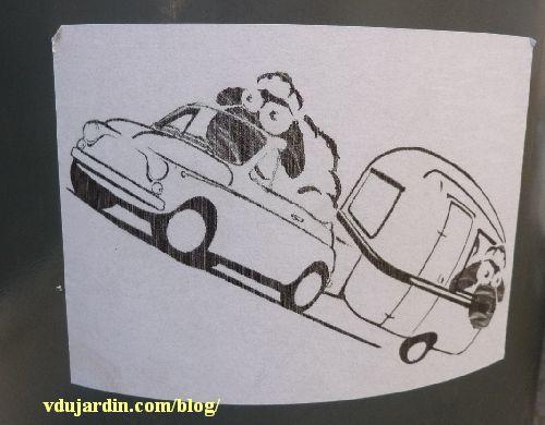 Juin 2014, Poitiers, M. Mouton dans une voiture qui tracte une caravane