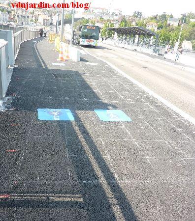 Le viaduc des Rocs à Poitiers, 12 avril 2014, tracé mystérieux au sol