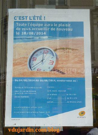 Poitiers, affiche de fermeture de la poste Notre-Dame à Poitiers
