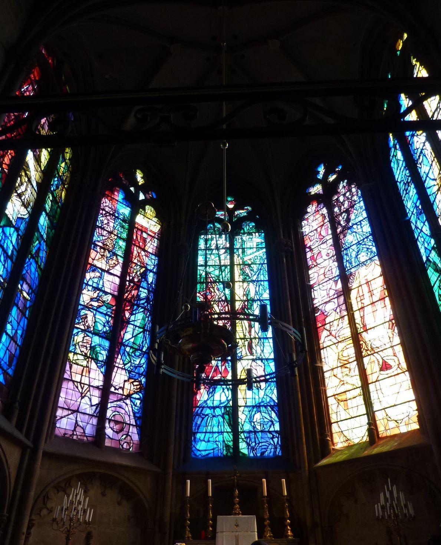 Cathédrale de Metz, chapelle du sacrement, vitraux de Jacques Villon