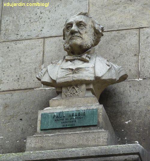 Angoulême, cour de l'hôtel de ville, buste de Paul Abadie,