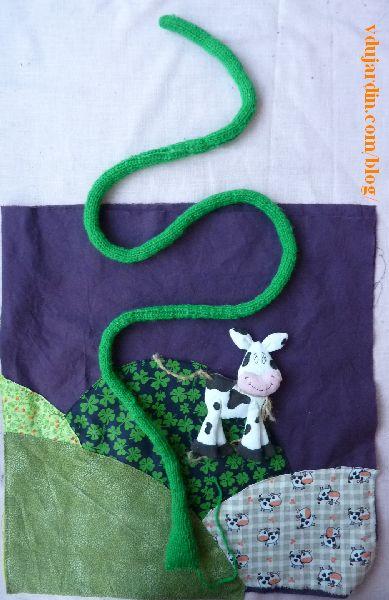 Haricot magique, page 7 avec la tige et la vache posées sur le paysage