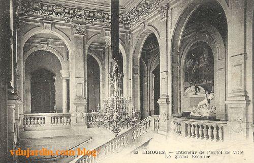 Hôtel de ville de Limoges, l'escalier, carte postale ancienne