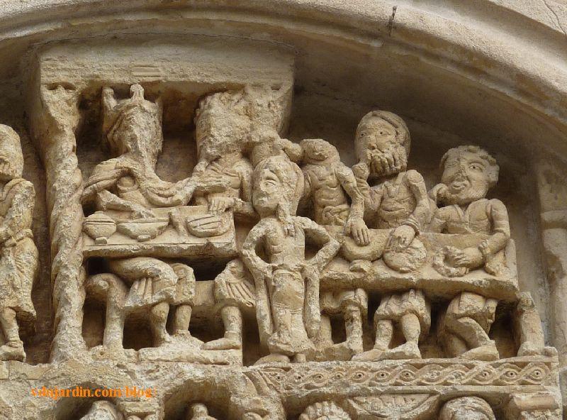 Lyon, basilique Saint-Martin d'Ainay, tympan, le banquet d'Hérode et la danse de Salomé