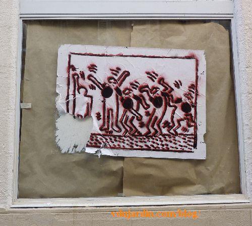 Poitiers, M. Mouton, septembre 2014, sur une vitrine