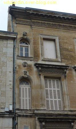 Niort, maisons des 26, 28 et 30 rue Alsace-Lorraine, 3, détail de la façade du 30