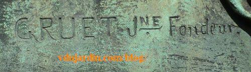 Paris, cimetière du Père-Lachaise tombe de Crocé-Spinelli et Sivel, signature Gruet Jeune fondeur