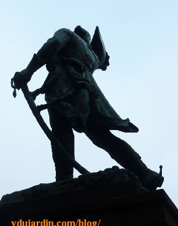 Strasbourg, le monument à Kellermann, vue de profil