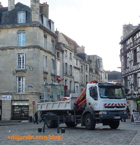 Enlèvement des dernières cabines téléphoniques de Poitiers