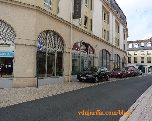 Poitiers, 2 novembre 2014, voitures sur les trottoirs