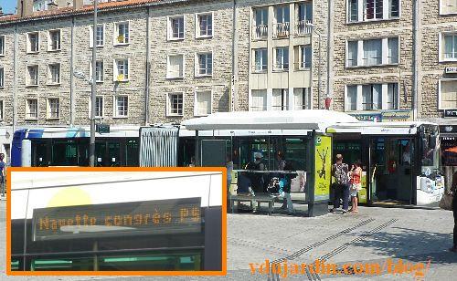 Congrès du PS à Poitiers, 5 juin 2015, bus pour les congressistes