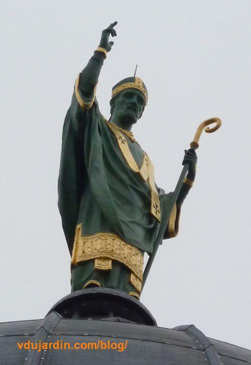 Charité de saint Martin par Varenne à Tours, la Charité encadrée de deux évêques