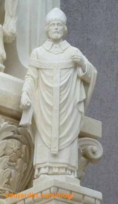 Charité de saint Martin par Varenne à Tours, détail du deuxième évêque