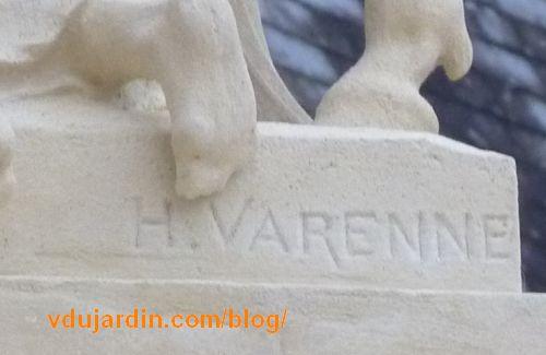 La signature Henri Varenne sur le socle