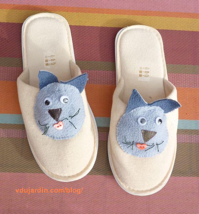 Pantoufles décorées de chats
