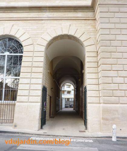 Le château d'eau de Blossac à Poitiers, le couloir central.