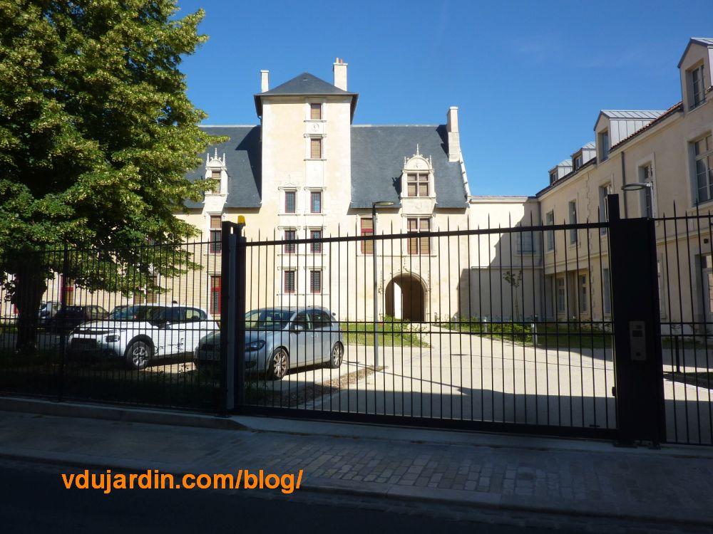 L'hôtel d'Estissac à Poitiers, juin 2021